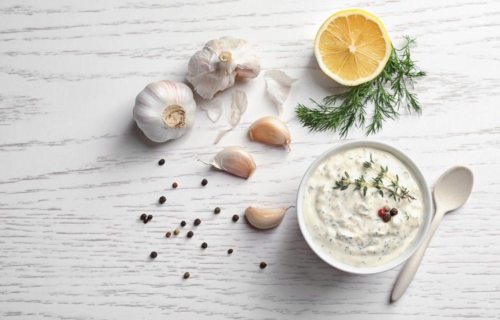 Jogurtowy sos z tahini
