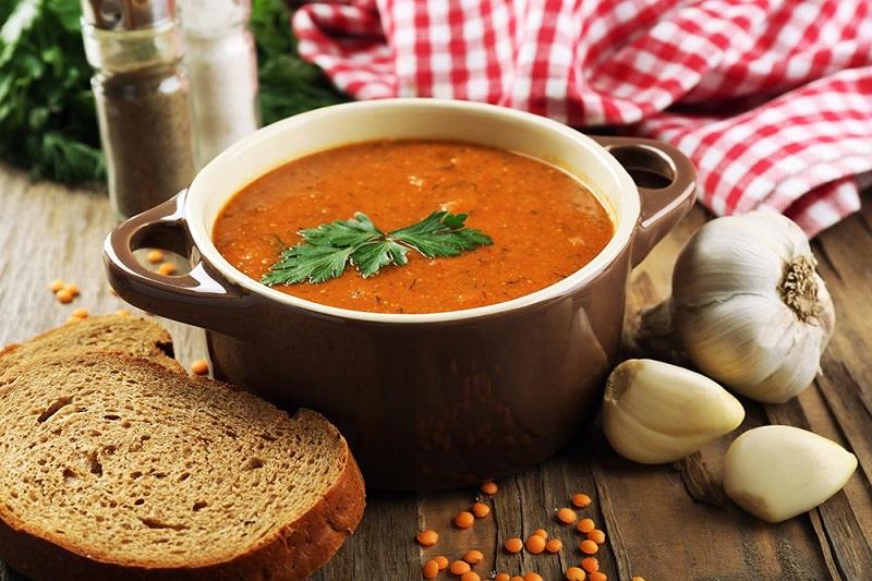 Przepis na zupę z soczewicy z batatami