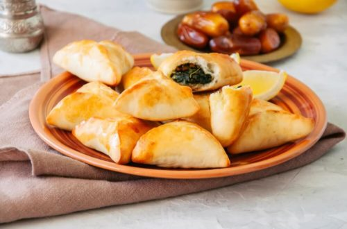 Jordańskie drożdżówki ze szpinakiem